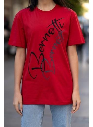 Bernotti 79 Kırmızı Baskı Detaylı Sıfır Yaka Kadın T-Shirt Kırmızı